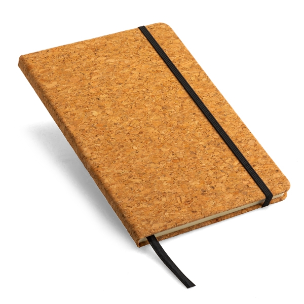 A5 notebook ● with ribbon place holder and an elastic closure ● ± 160 lined pages.