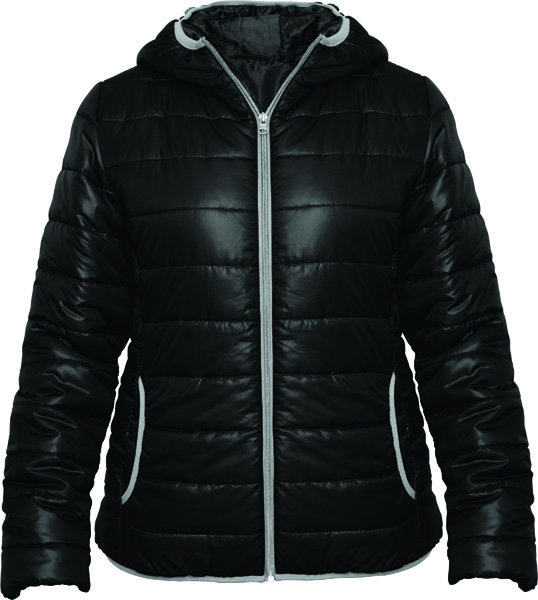 This quilted jacket filling and fitted hood include a contrasting zip with a chin protection and puller