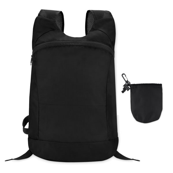 Foldable sports rucksack ● in ripstop polyester ● with zipped front opening ● mesh shoulder strap ● detachable pouch.