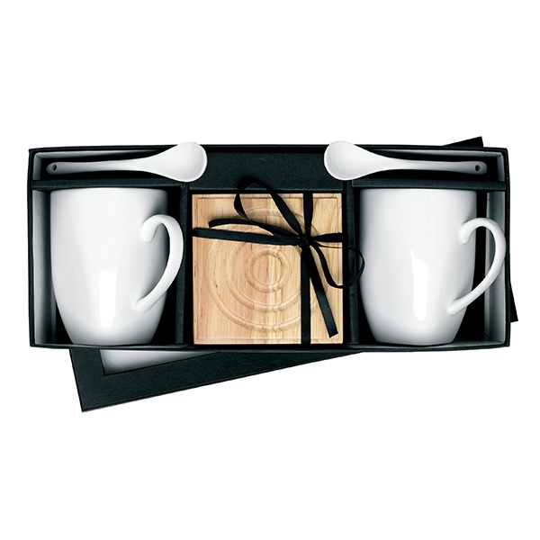 Ceramic mug and spoon set● with wooden coasters.